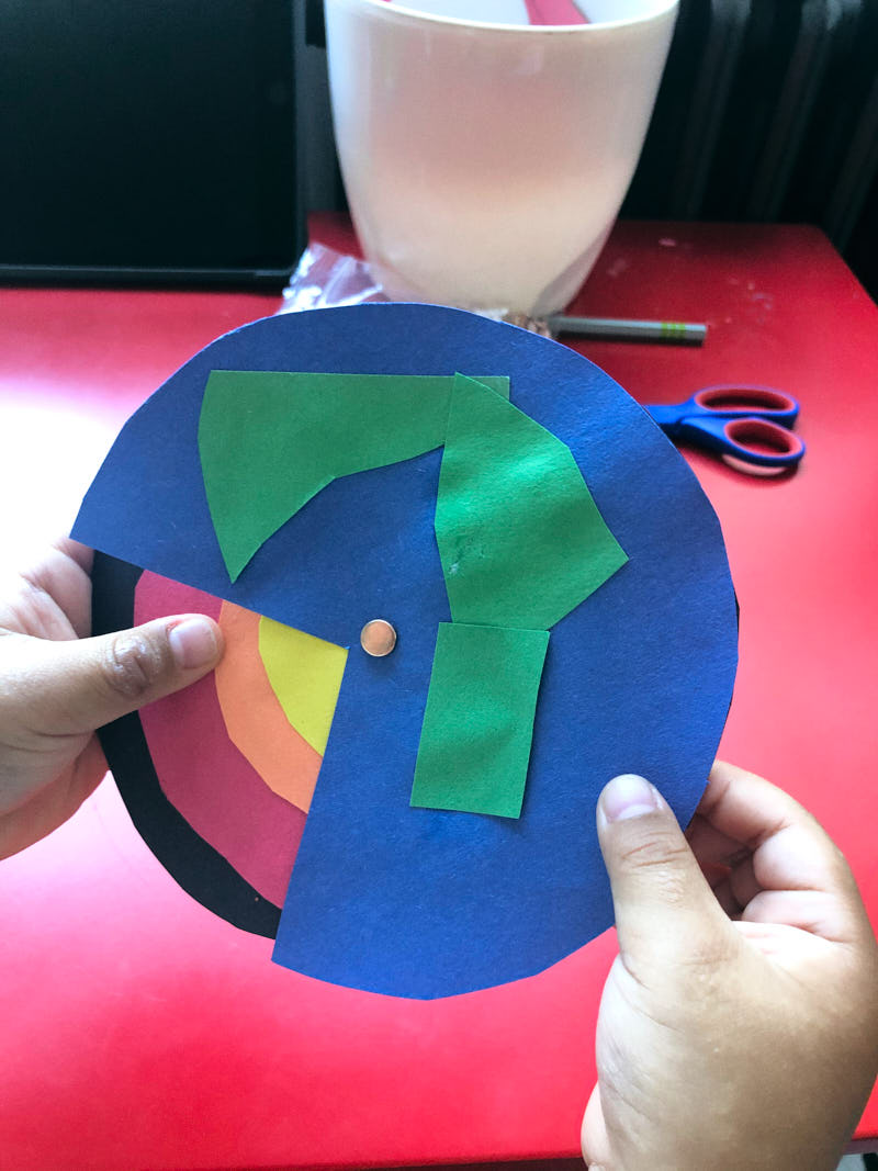 An easy kids craft to teach the layers of the earth. Finished craft to show what is inside the earth.